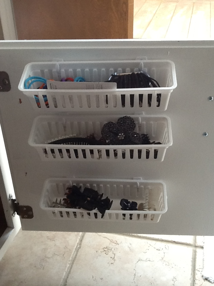20 creative storage ideas for a small bathroom organization - Bathroom storage cabinet with baskets ...