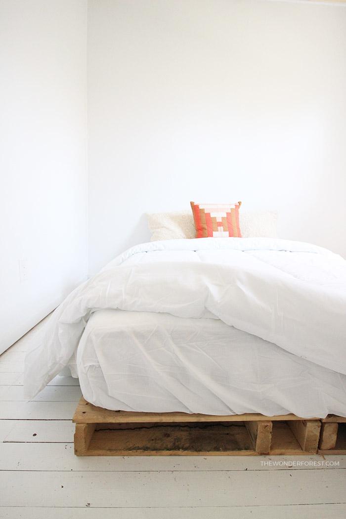 Easy Wood Pallet Bed Frame