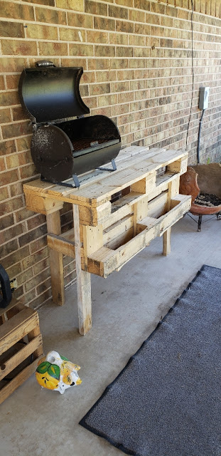 Pallet Table for the Patio