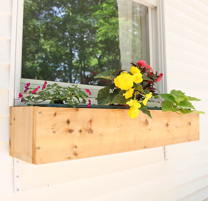 10 adorable diy planter box ideas. Black Bedroom Furniture Sets. Home Design Ideas