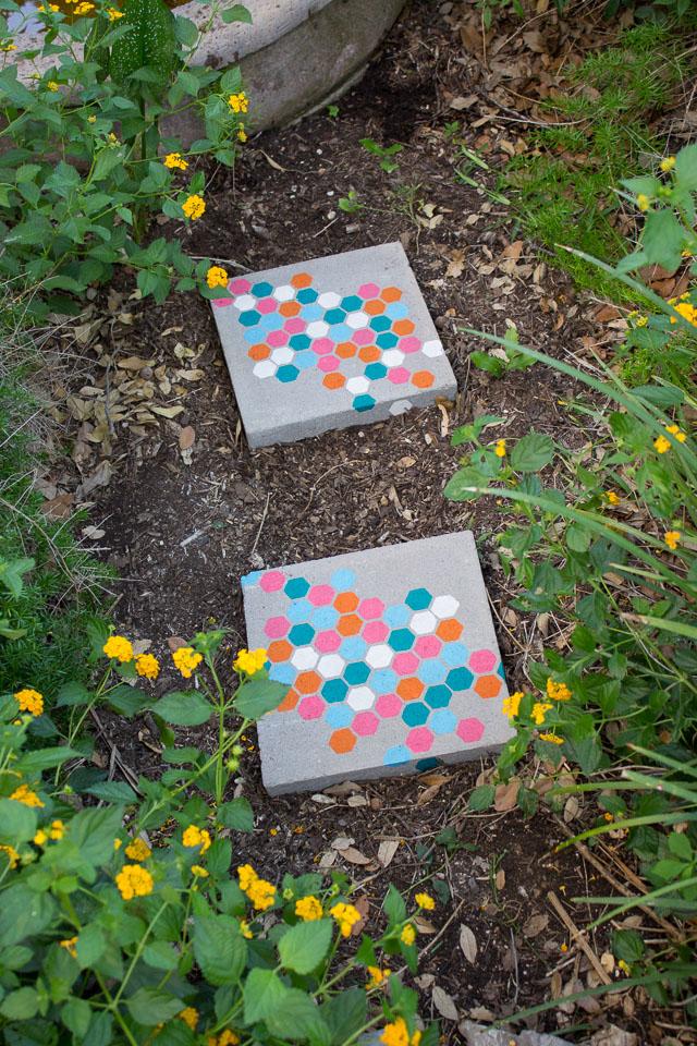 15 creative diy garden path ideas - Diy Garden Path Ideas