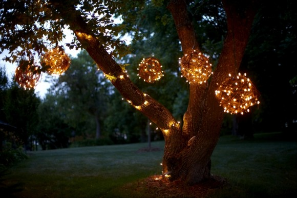 Crafty Lighted Grapevine Balls
