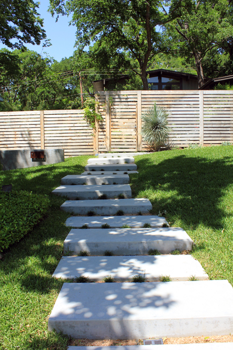 15 awesome diy garden steps and stairs for Landscape design steps