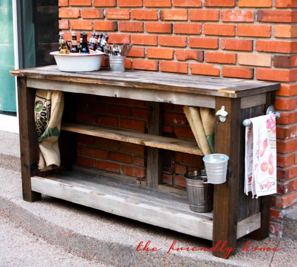 15 awesome diy outside bar ideas for Diy wood bar