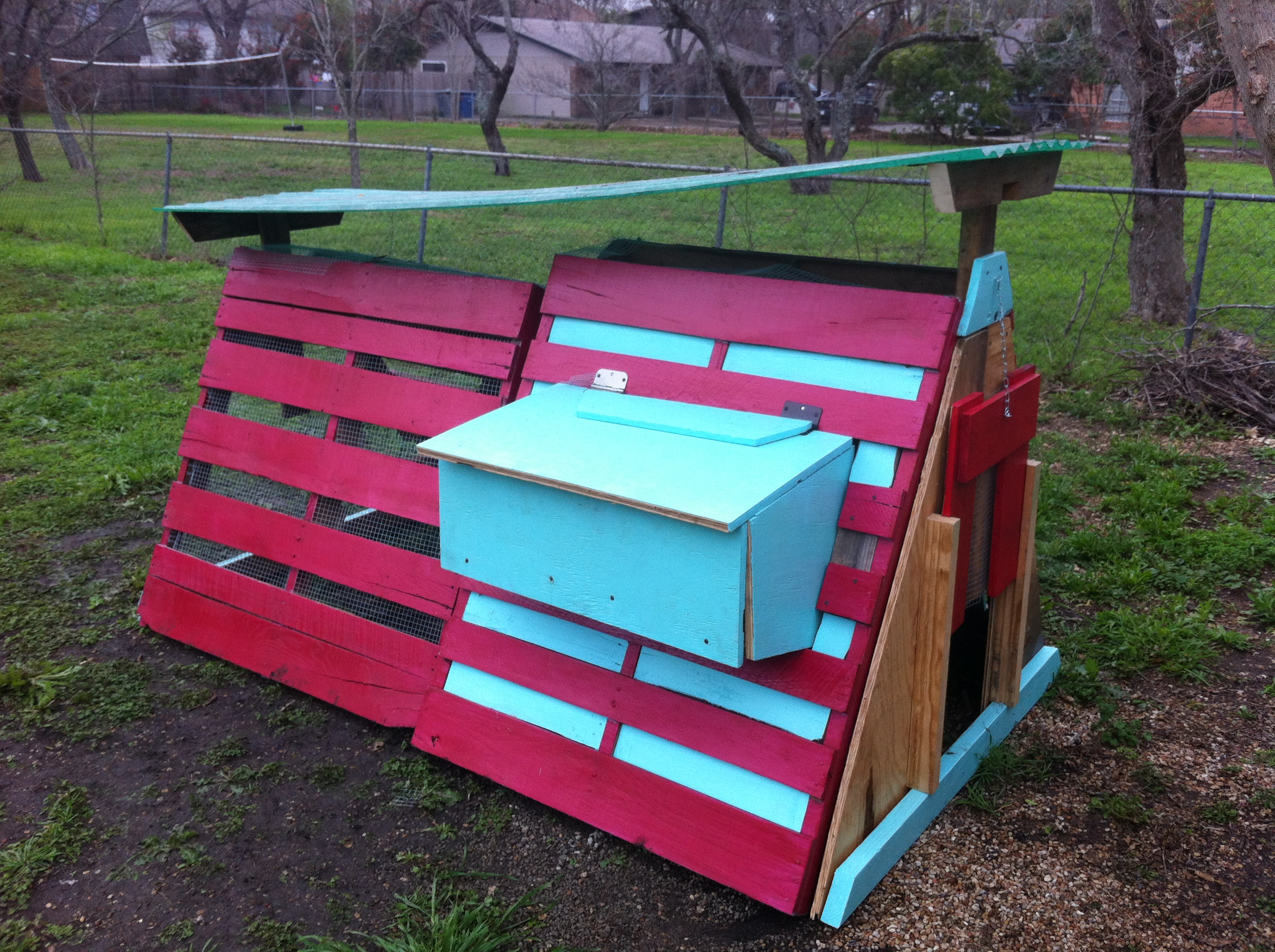 15 amazing diy chicken coop plans designs and ideas for A frame chicken