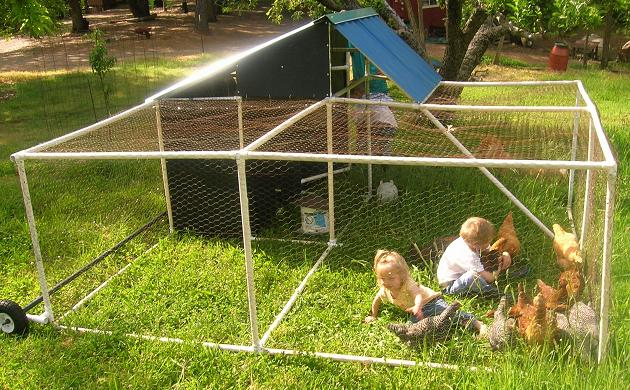 15 amazing diy chicken coop plans designs and ideas for Chicken coop made from pvc