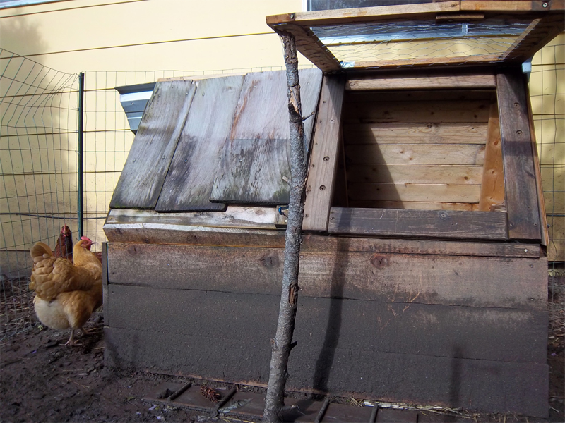 15 amazing diy chicken coop plans designs and ideas for Easy way to build a chicken coop