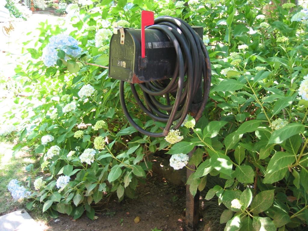 Mailbox Garden Storage