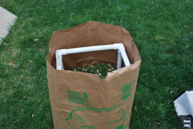 Yard Refuse Bag Stand