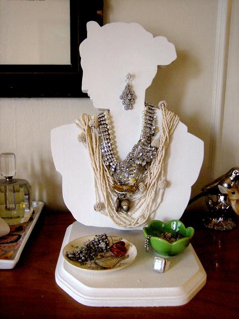 Jewelry Bust