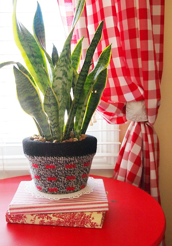 A sweater covered pot