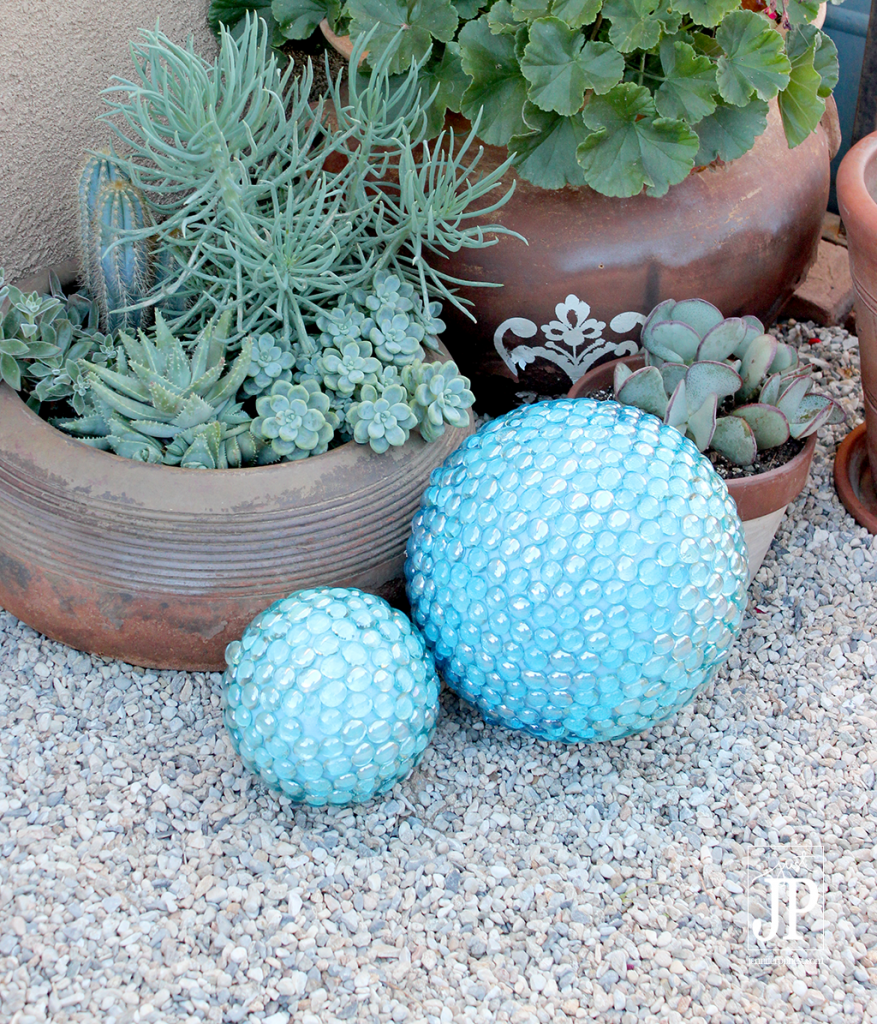 10 diy decorative garden balls