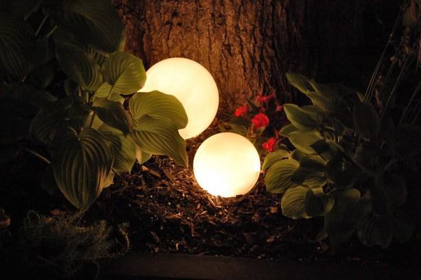 Glowing garden balls