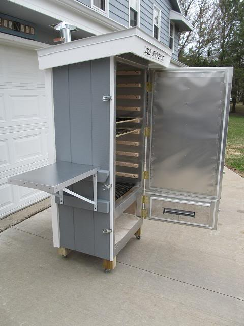 10 simple and inexpensive diy meat smokers build a smoker from wood and line it with metal malvernweather Choice Image