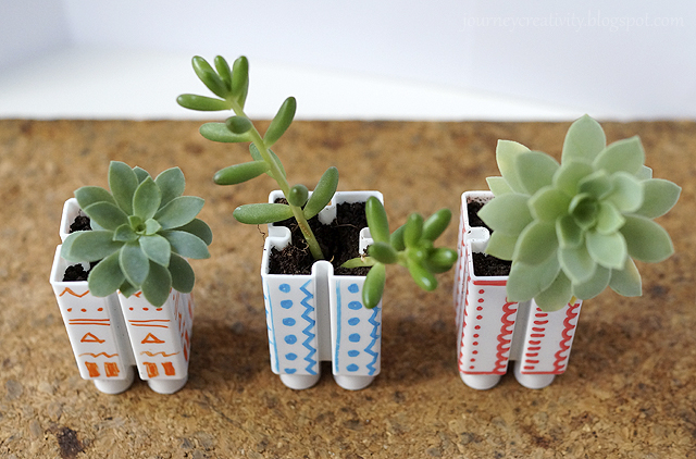Little LEGO flower pots