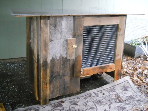 Rabbit Hutch From Wooden Pallets
