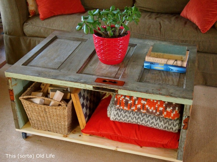10 creative diy coffee tables with storage for Cool coffee tables diy