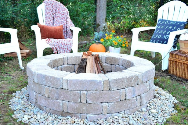 15 one day garden projects anyone can do for Do it yourself fire pit designs