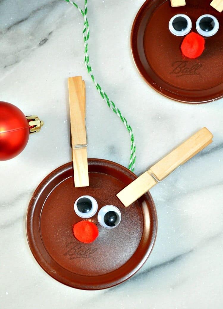 Mason Jar Lid Reindeers