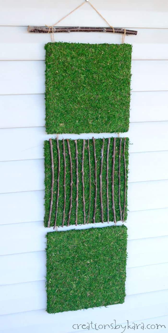 Moss Art Outdoor Decor Idea