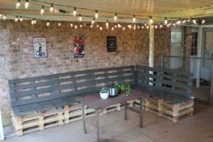 Corner Pallet Bench