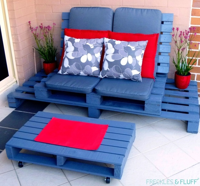 Wooden Pallet Chillout Lounge
